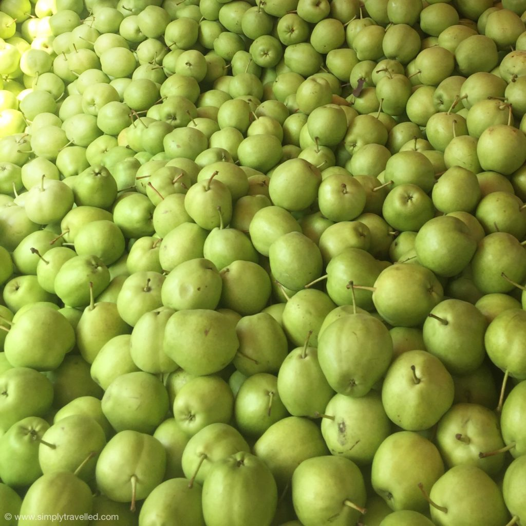 What Not To Eat In China - These pears are absolutely delicious
