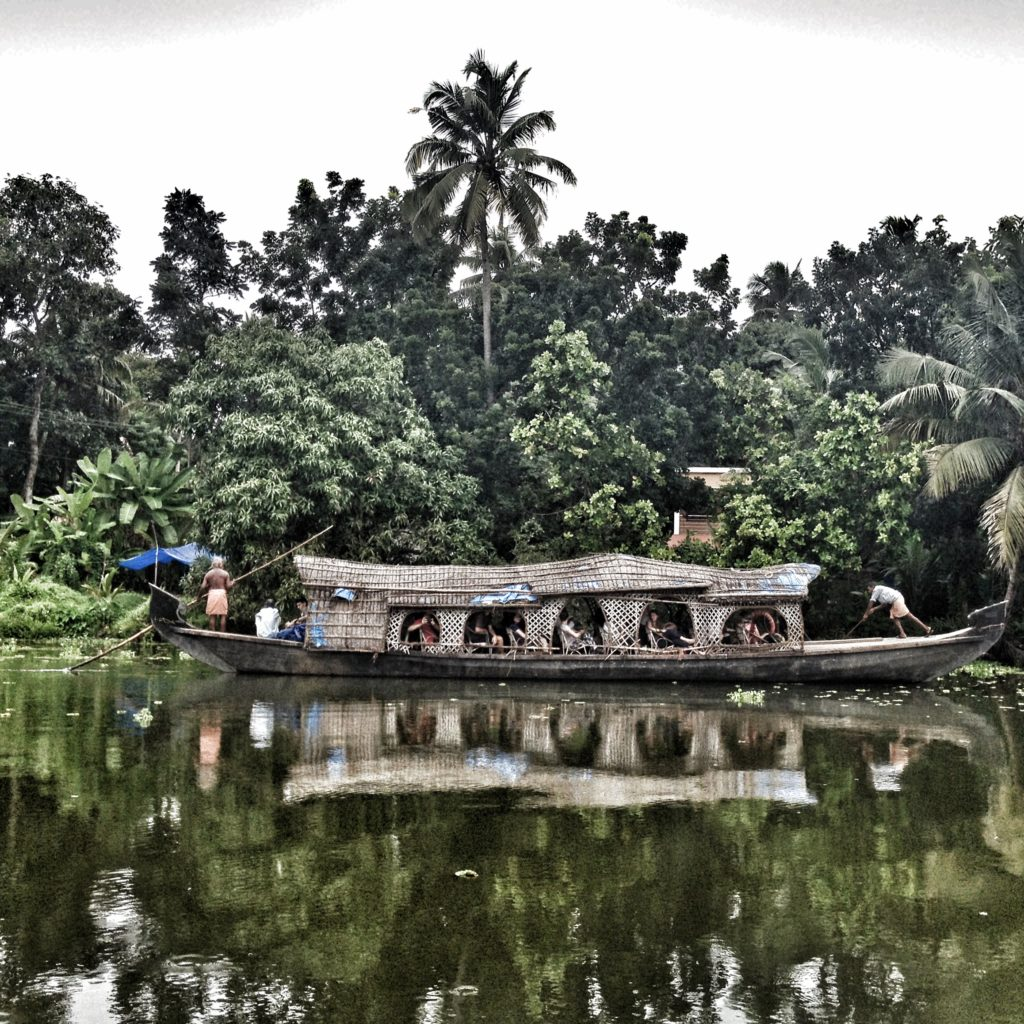 Travels in Kochi - Relax, and enjoy the scenery!