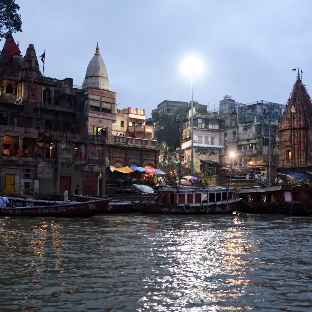 Varanasi attractions - Experience the livelihood of the ghats!