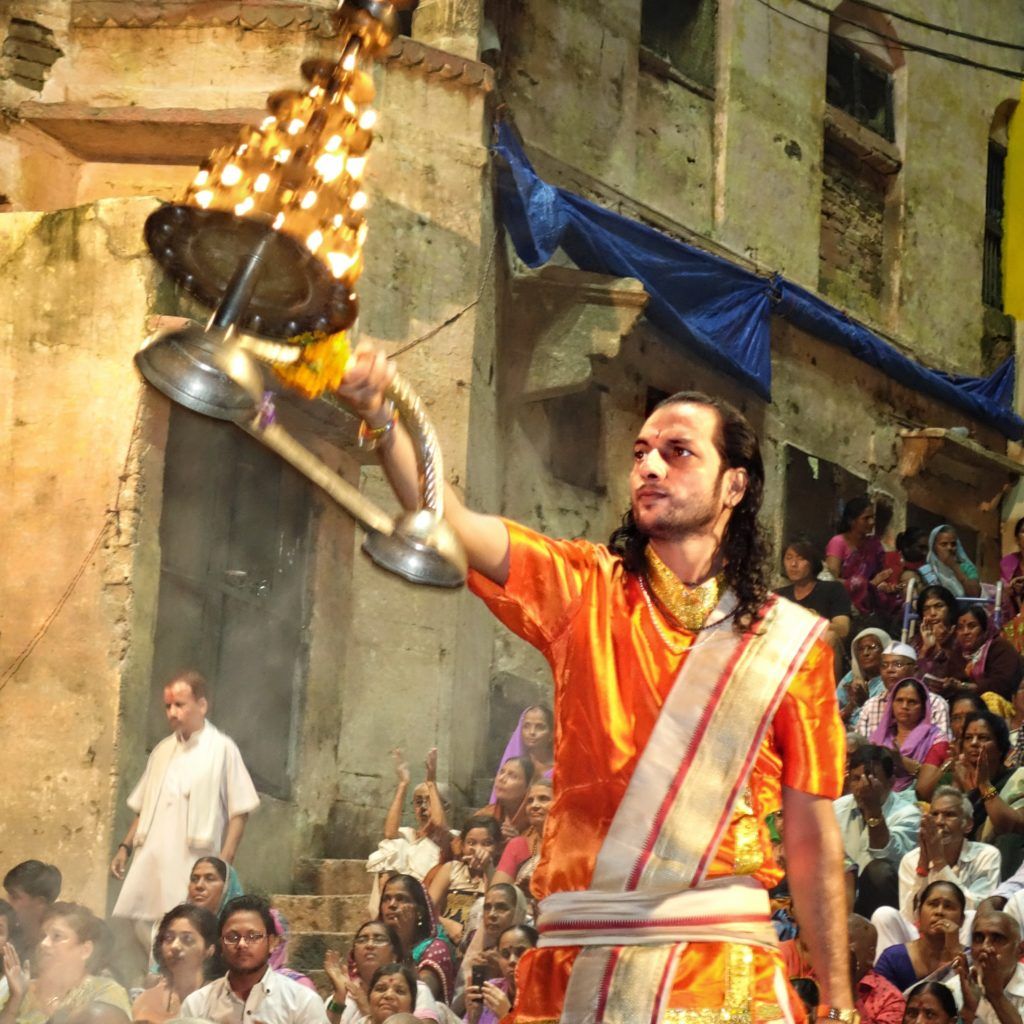 Varanasi attractions - Enjoy the spiritual ceremony!