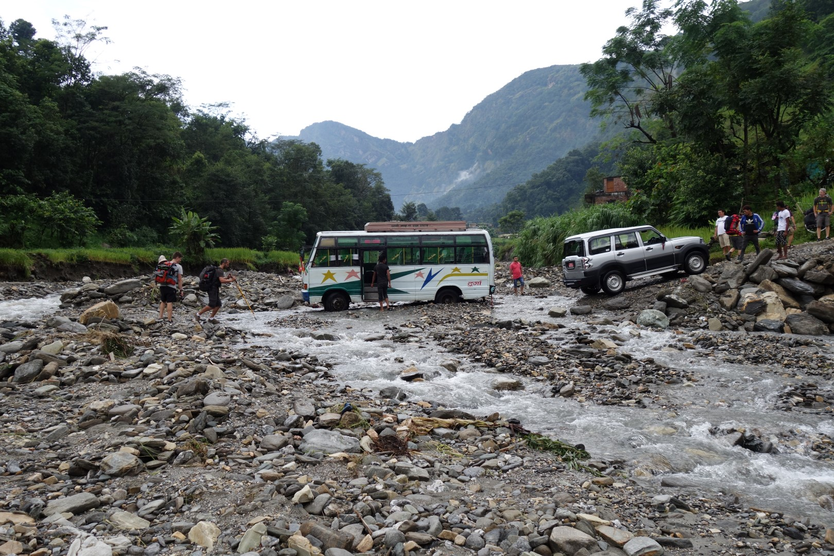 I don't think that bus is going anywhere.. - Annapurna circuit route