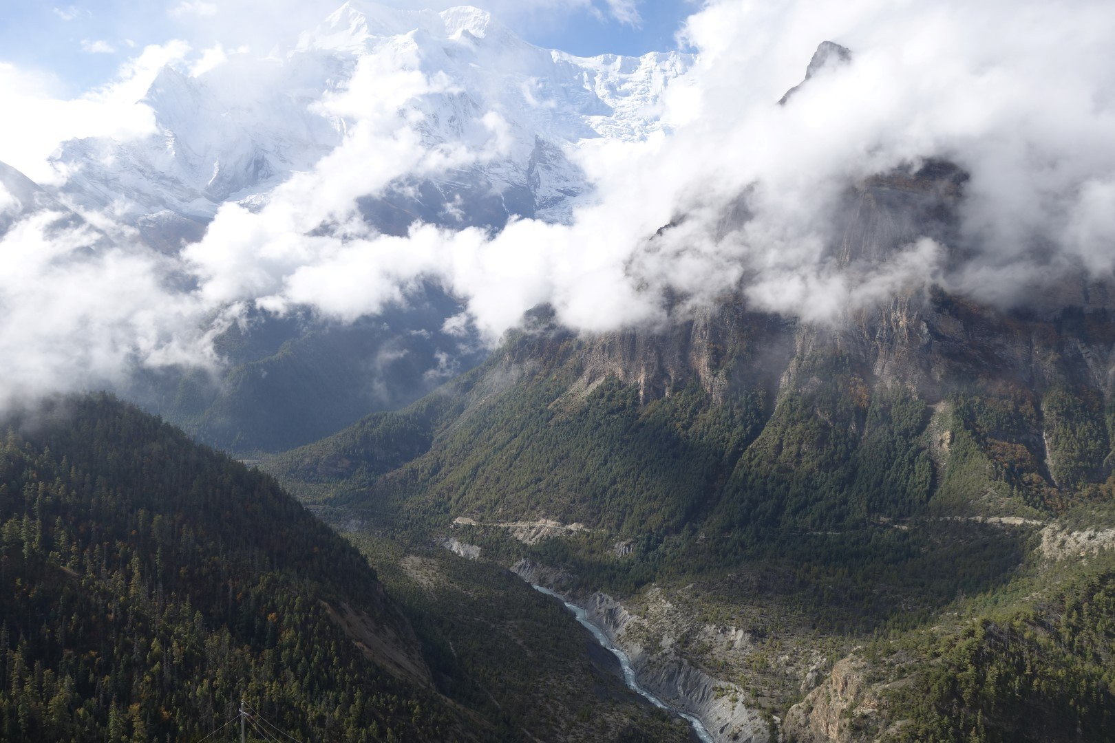 The views are definitely worth the climb - Annapurna Circuit route